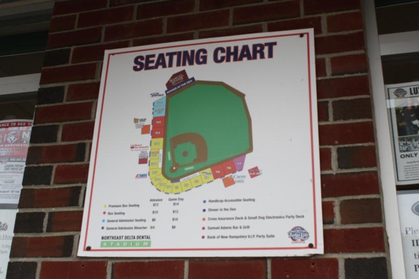voici un plan du stade; nous étions assis en bas à droite dans le rouge, presque tout devant