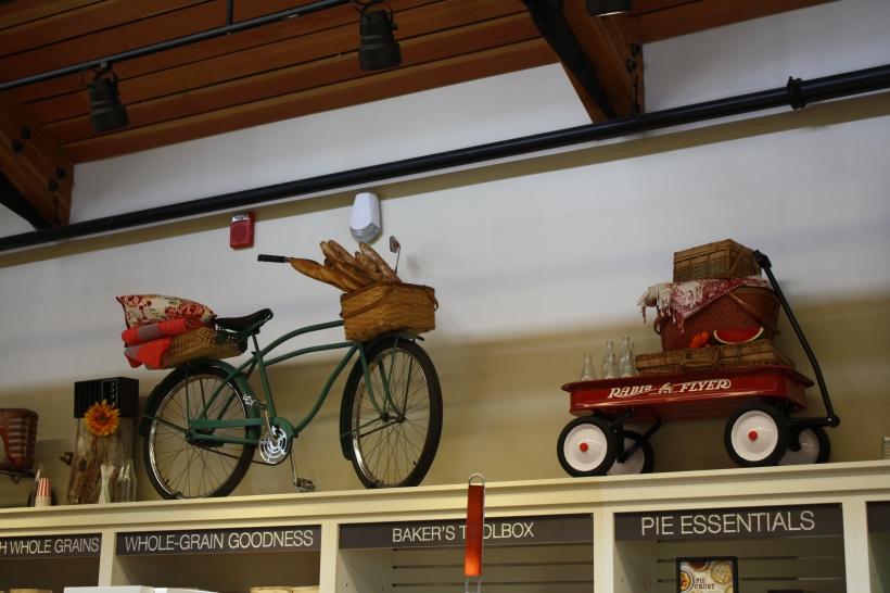 les décorations du magasin sont très jolies, donc on a envie d'y rester!