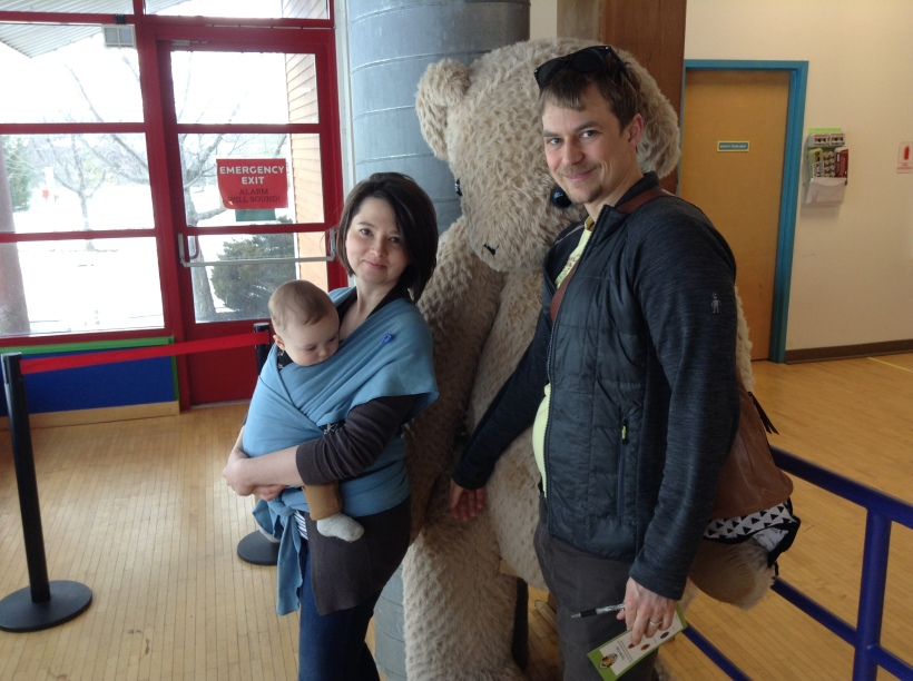 family-with-giant-bear