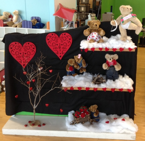 valentines-day-bears-clothing-statation